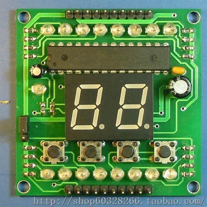 2,模块上有四个按键用于编写程序时输入16进制代码,两位数码管