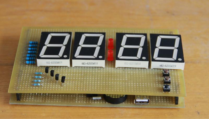 简单的四位数码管单片机时钟